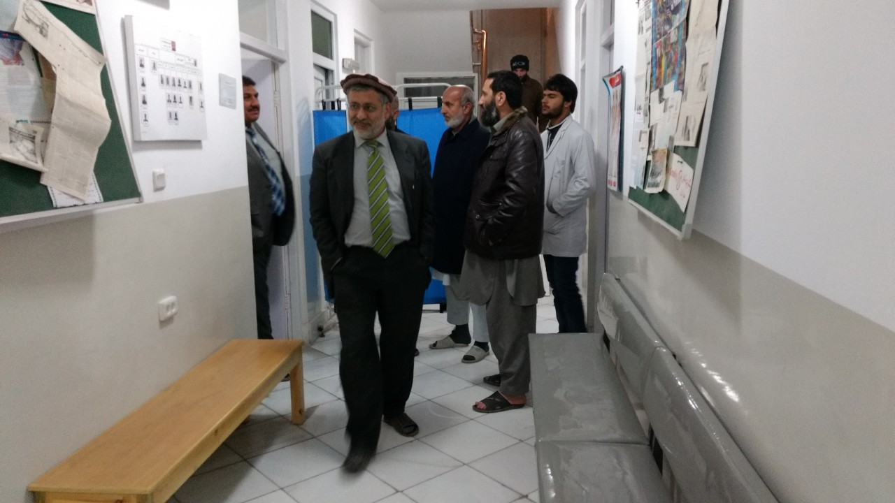 Ein berührender Moment für Dr. Yahya Wardak